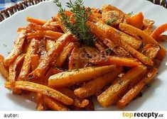 Mrkev pečená v tymiánovém jogurtu recept - TopRecepty.cz Vegetable Recipes, Meat Recipes, Vegetarian Recipes, Cooking Recipes, Healthy Recipes, Healthy Cooking, Healthy Eating, Fall Dinner Recipes, Home Food