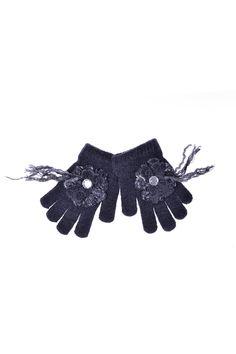 Grevi - перчатки с оригинальной аппликацией. Материал: Шерсть, ангора, полиакрил http://oneclub.ua/shapka-16310.html#product_option356