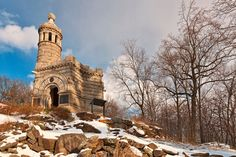 Winter scenery with castle monument commemorating the Civil War 12th & 44th New York Volunteer Infantry Regiments, located on Little Round Top from Gettysburg National Military Park in Pennsylvania, USA.