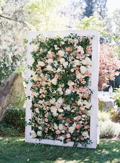 Wedding Flowers A Princess bride needs a stunning floral backdrop to say I Do! - Who doesn't need a backdrop, ever? Today we bring you 3 fab tutorials that will show you how to make a wedding backdrop step by step! Wedding Ceremony Ideas, Wedding Trends, Wedding Venues, Wedding Ceremonies, Ceremony Backdrop, Wedding Tips, Wedding Backdrops, Wedding Designs, Wedding Aisles