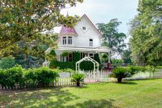 6 Quaint Houses for Sale with White Picket Fences  - CountryLiving.com