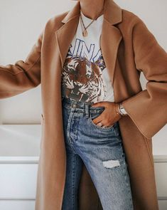 THE CLASSIC COAT CAMEL – THE CURATED Mode Outfits, Trendy Outfits, Fall Outfits, Fashion Outfits, Tumblr Outfits 2016, Style Fashion, Winter Stil, Coat Dress, Mode Inspiration