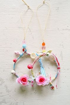 little dream catchers~ great way to reuse old hoop earrings (these are so utterly charming. Totally getting made)