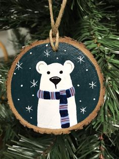 Wooden Christmas Decorations, Painted Christmas Ornaments, Christmas Art, Christmas Projects, Handmade Christmas, Polar Bear Christmas, Christmas Canvas, Glitter Ornaments, Hand Painted Ornaments