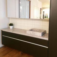 Ny badmiljö näääästan klar. Igår kom skiva och handfat från Silestone. #kvänum #kvänumkök #kvänumkökluleå #kvänumbad #kvanum #badrum #silestone by kvanumkoklulea