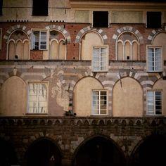 """#URBAGRAMMA #09 """"Architetto, la finestra l'ho fatta un poco più in là..."""""""
