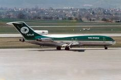 Iraqi Airways Boeing 727-270/Adv YI-AGS Boeing 727, Boeing Aircraft, Old Planes, Geneva, Airplanes, Switzerland, Aviation, Commercial, Birds