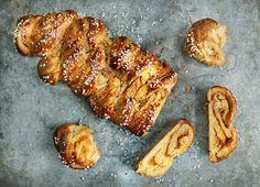 Mandulás kalács – Imádni fogod! Vegan Desserts, Banana Bread, French Toast, Muffin, Sweets, Cooking, Breakfast, Food, Diy