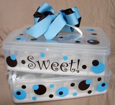 cupcake carrier-in love! must make!