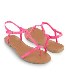 Pretty thong sandals in neon pink.  #sandals #neon #pink