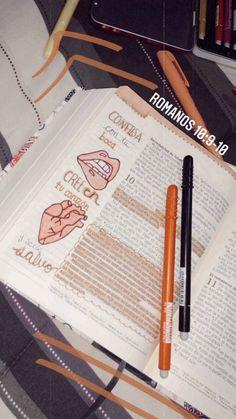 Bullet Journal School, Bullet Journal Inspo, Bullet Journal Ideas Pages, Bible Journal, School Organization Notes, Study Organization, School Notes, Revision Techniques, Christmas Paintings On Canvas