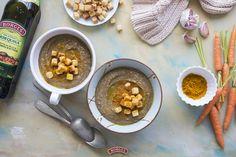 Esta crema de lentejas con aceite de oliva te quitará el frío... ¡y te devolverá a la vida!  INGREDIENTES: * 500 g de lentejas cocidas * 2 zanahorias * 1 cebolla grande * 2 dientes de ajo * Aceite de oliva extra virgen Borges * 1 litro de caldo de verduras * Sal y pimienta * 1 cucharadita de curri * Picatostes  Consulta la receta completa paso a paso en: http://es.borges.es/rms/crema-de-lentejas-con-aceite-oliva/