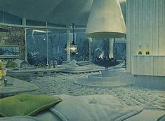 Alexander Presley Home Interior 1962 Best known as Elvis and Priscilla Presleys honeymoon retreat, and also known as the House of Tomorrow, this Palm Springs home was orginally a custom-built residence for Bob and Helene Alexander. Architects - Palmer K Vintage Interior Design, Vintage Interiors, Retro Design, Mid Century Decor, Mid Century House, House Of Tomorrow, Illustrations Vintage, Futuristic Home, Mid Century Modern Design