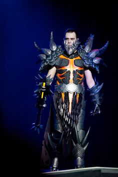 Deathwing cosplay, so awesome :D
