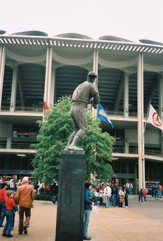 The Musial Statue at old Busch Stadium, 1984.