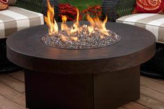 Oriflamme Savanna Stone Gas Fire Pit Table Table Top - Propane) - Well made and works as it should.If you have been looking for a cheap backyard fire pit r Small Fire Pit, Diy Fire Pit, Fire Pit Backyard, Fire Pits, Big Backyard, Japan Design, Foyer Au Gaz Propane, Patio Gas, Gravel Patio