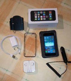 Aufgrund eines Systemwechsel biete ich hier mein gebrauchtes iPhone 5s 32GB mit viel Zubehör an.Technisch ist es absolut i.O., der Akku wurde vor 2 Wochen in einem Fachbetrieb ausgetauscht, natürlich wurde ein original Akku von Apple eingebaut. Rechnung liegt bei!Das Gerät hat kein Sim-Lock, kann also sofort in allen Netzen eingesetzt werden.Nun zum Zubehör:- iPhone 5s 32GB- Original Verpackung- Ladekabel u. Ladegerät- Original Kopfhörer, unbenutzt- KFZ Lade-Adapter- Brodit KFZ…
