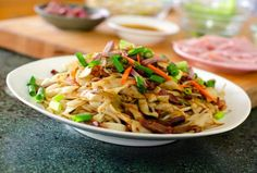 Chow Funn - A local favorite in Hawaii Ono Hawaiian Food, Hawaiian Dishes, Hawaiian Recipes, Chow Fun Recipe, Recipe Box, Fun Cooking, Cooking Recipes, Ono Kine Recipes, Asian Recipes
