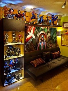 5 Most Recommended Video Game Room Ideas homedecor video game room videogameroom Comic Book Rooms, Comic Room, Geek Cave, Geek Room, Marvel Man Cave Ideas, Sala Nerd, Marvel Room, Ultimate Man Cave, Video Game Rooms