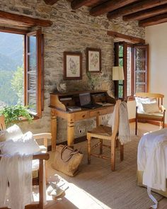 stone wall - home interior Stone Cottages, Stone Houses, Cozy Cottage, Cottage Style, Rustic Cottage, Casa Hotel, Bedroom Windows, Brick Bedroom, Design Case