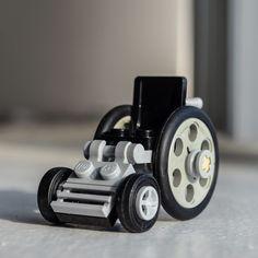 Wheelchair - Custom LEGO Build / Set / Vehicle for minifigures door Qunotoys op Etsy https://www.etsy.com/nl/listing/218802040/wheelchair-custom-lego-build-set-vehicle