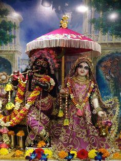 (*) Twitter Krishna Hindu, Radhe Krishna, Indian Gods, Hare, Captain Hat, Twitter, Bonito, Bunny, Rabbit