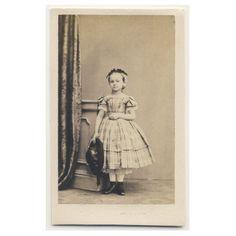 SWEET LITTLE GIRL plaid dress / hat CDV PHOTO 1860s child fashion
