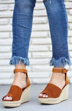 You NEED these espadrilles! | Fashion blogger Mash Elle styles Steve Madden Espadrilles with Express ripped cropped jeans, a Forever 21 white off the shoulder shirt, Free People aviators and Tory Burch perry tote.