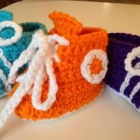 Crocheting: Soccer cleats/Running Shoes
