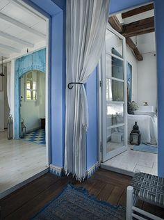 【 from パリ】コロニアルスタイルを再現した、女性写真家の家。 - フィガロジャポンオフィシャルサイト madameFIGARO.jp