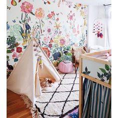 I'm in nursery heaven with this amazing arrangement via @ministyleblog of @stonefoxbride ☘ How's that killer wallpaper?! #nurserydecor #nursery #kidsdecor #kidsinterior #kidswallpaper #colourmehappy