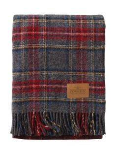 Pendleton Woolen Mills: MOTOR ROBE WITH LEATHER CARRIER