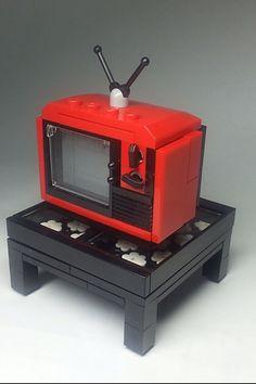 Old TV Lego Moc, Lego Duplo, Lego Desk, Lego Table, Lego Words, Lego Furniture, Lego Craft, Lego Games, Lego Trains