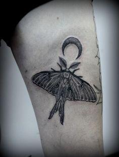 Original luna moth dotwork tattoo by Summer Breeze at Jinx Proof Tattoo Emporium in Johnson City, TN. Delicate Flower Tattoo, Flower Tattoos, Best Sleeve Tattoos, Cool Tattoos, Tattoo Blog, I Tattoo, Moth Tattoo Meaning, Insect Art, Tattoo