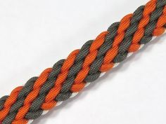 How to make a Tiger Stripe Sinnet Paracord Bracelet Tutorial (Paracord 101) - YouTube