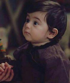 Turkish Women Beautiful, Turkish Beauty, Aiza Khan Wedding, Netflix, Best Profile Pictures, Romantic Love Song, Islamic Posters, Baby Boy Pictures, Bravest Warriors