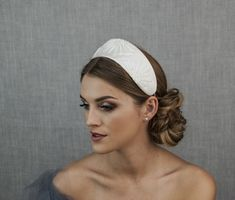 Haute couture bridal headpiece, ivory bridal headpiece, wide bridal headband with hand-embroidered glass beads Bride Headband, Headbands, Hijab Wedding Dresses, Wedding Gowns, Party Hairstyles, Wedding Hairstyles, Bridal Headpieces, Bridal Hair, Wedding Dress Accessories