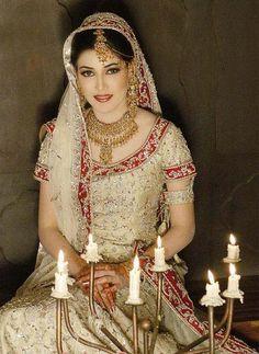 indian trinkets   BRIDAL JEWELLERY KUNDAN JEWELLERY, INDIAN WEDDING DRESS ACCESSORIES