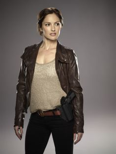 Minka Kelly of Almost Human. Genre television news of the week.