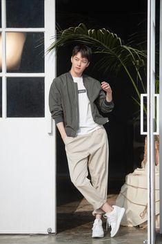 Korean Boys Hot, Korean Men, Asian Actors, Korean Actors, Desi Boyz, Cool Poses, Korean Fashion Men, Kdrama Actors, Japanese Men