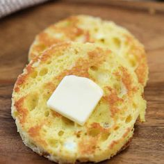 You're going to love this 90 second bread recipe that is Keto friendly. In j… You're going to love this 90 second bread recipe that is Keto friendly. In just seconds, make 90 second keto bread recipe for sandwiches, toast and more. Keto Mug Bread, Low Carb Bread, Low Carb Keto, Keto Pancakes, Carb Free Bread, Bread Carbs, Roti Bread, Keto Bagels, 7 Keto