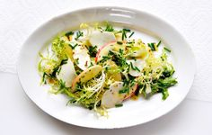 Kohlrabi and Apple Salad with Caraway - Bon Appétit Let the kohlrabi sit in the dressing for a couple hrs to save time and quick pickle it - very good decision. Bon Appetit, Thanksgiving 2013, Kohlrabi Recipes, Chou Rave, Salad Recipes, Healthy Recipes, Apple Recipes, Salsa, Eating Clean