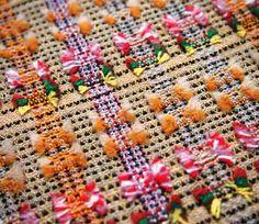 Taslima Sultana - Woven Textile Designer pin by susan johnson Weaving Textiles, Weaving Patterns, Tapestry Weaving, Textile Patterns, Textile Design, Fabric Manipulation Techniques, Weaving Techniques, Textile Texture, Textile Fiber Art