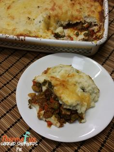 Your family enjoy a shepards pie? Then you MUST try this Thermomix Curried Shepards Pie it adds so much extra flavour and gives the meal a beautiful rich an Main Meals, Food Hacks, Easy Recipes, Curry, Pie, Lunch, Club, Dinner, Ethnic Recipes