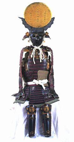 Uesugi Kenshin 上杉 謙信 (1530 – 1578). 上杉謙信所用 紫糸威伊予¥札五枚胴具足 (上杉神社蔵)