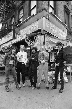 zombiesenelghetto:  The New York Dolls reunited in a photoshoot for Punk Magazine, 1977