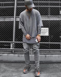 FOR YOUR INSPIRATION follow @savagelook #fashion #style #street #streetwear #ripped #urban #stylish #inspiration #fashionlover #jeans #shirt #sweatshirt #menstyle #men #mensfashion #women #womensfashion #look #outfit #everything #street #tshirt #vest #lovestyle #lovefashion #fashionst Men Looks, Urban Fashion, Mens Fashion, Fashion Trends, Street Fashion, Rapper Outfits, Yeezy Outfit, Ripped Jeans Men, Swagg