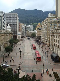 BOGOTA, COLOMBIA - Avenida Jiménez con 7a, Centro de Bogotá D.C. Colombia South America, South America Travel, Beautiful Sites, The Beautiful Country, Travel Around The World, Around The Worlds, Colombian Culture, Colombia Travel, Beautiful Landscapes