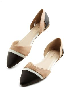 Thrice Thrilled Flat. For a neutral shoe with three times the charm, try these tri-color ballet flats. #modcloth