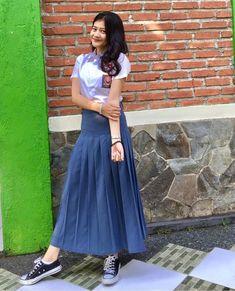 Best Friend Photos, Midi Skirt, High Waisted Skirt, Tulle, School, Skirts, Model, Beauty, Beautiful
